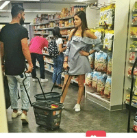 Virat Kohli & Anushka Sharma in shopping Mall <3: esserts Virat Kohli & Anushka Sharma in shopping Mall <3